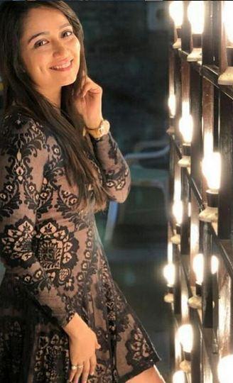 ક્યૂટ સ્માઈલ અને સકારાત્મક અભિગમ ધરાવતી અભિનેત્રી જીનલ બેલાણીને જન્મદિવસની ખુબ ખુબ શુભેચ્છાઓ.