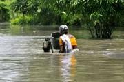 Assam Flood: રસ્તાઓ બન્યા નદી અને શહેરો બન્યા છે સમુદ્ર, જુઓ કેવી છે હાલત