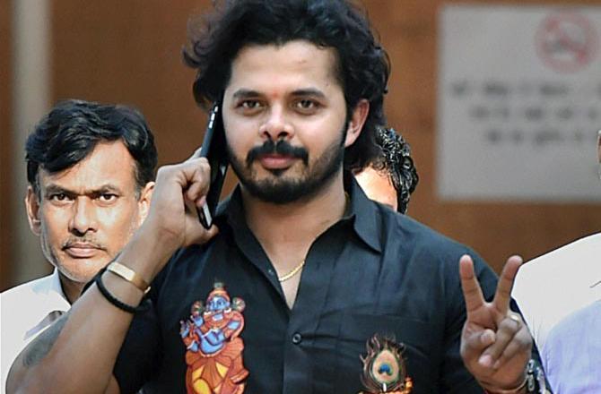 ભારતીય ક્રિકેટર શ્રીસંત માટે રાહતના સમાચાર આવ્યા છે. સુપ્રીમ કોર્ટે શ્રીસંતની તરફેણમાં ચુકાદો આપતા તેના પરથી ક્રિકેટ રમવા પર આજીવન પ્રતિબંધ હટાવી દેવામાં આવ્યો છે. ઉલ્લેખનીય છે કે IPL સ્પોર્ટ ફિક્સિંગ કેસમાં ભારતીય ક્રિકેટ બોર્ડે ઝડપી બોલર શ્રીસંત પર ક્રિકેટ રમવા પર આજીવન પ્રતિબંધ મુક્યો હતો. જેને શ્રીસંતે સુપ્રીમ કોર્ટમાં પડકાર્યો હતો. સુપ્રીમ કોર્ટે વધુમાં ભારતીય ક્રિકેટ બોર્ડને 3 મહિના સુધીમાં આ સમગ્ર કેસમાં પોતાન રીપોર્ટ સોંપવાનો પણ આદેશ કર્યો છે. કોર્ટમાં જસ્ટિસ ભૂષણ અને જસ્ટિસ કે.એમ.જોસેફની પીઠે શુક્રવારે આ મામલે પોતાનો ચુકાદો સંભળાવ્યો. સુપ્રીમ કૉર્ટનું કહેવું છે કે BCCIની પાસે નિયમોને લગતી કાર્યવાહી કરવાનો અધિકાર છે. કૉર્ટે કહ્યું કે બીસીસીઆઇએ શ્રીસંતનો પણ પક્ષ સાંભળે. આજીવન પ્રતિબંધની સજા વધારે છે. શ્રીસંત પર આજીવન પ્રતિબંધ હટાવ્યા બાદ હવે તેને શું સજા આપવી તે બીસીસીઆઇએ 3 મહિનામાં નક્કી કરવાનું રહેશે. સુપ્રીમ કૉર્ટે BCCIને શ્રીસંતને સુનાવણીની તક આપવા અને 3 મહિનાની અંદર સજા નક્કી કરવાનો આદેશ આપ્યો છે.