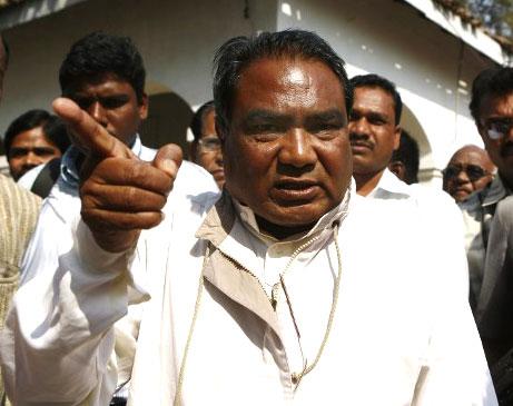 મહેન્દ્ર કર્મા  2013માં છત્તીસગઢમાં કોંગ્રેસના નેતાઓના કાફલા પર માઓવાદીઓએ હુમલો કર્યો હતો, જેમાં 30 લોકોના મોત થયા હતા. આ કાફલામાં મહેન્દ્ર કર્મા પણ સામેલ હતા. તે સમયે મહેન્દ્ર કર્મા છત્તીસગઢ વિધાનસભામાં વિપક્ષના નેતા હતા.