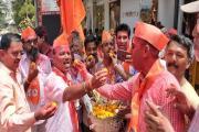 Lok Sabha Election 2019: મુંબઈમાં શિવસેનાના કાર્યકર્તાઓએ કરી ઉજવણી