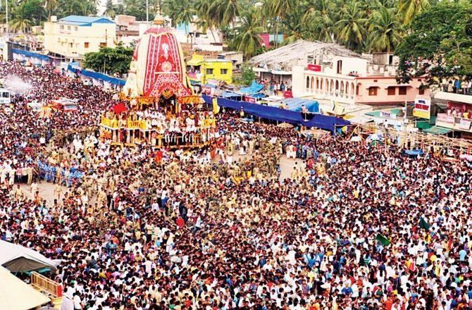 દેશના મુખ્ય તીર્થસ્થળોમાં જગન્નાથનો સમાવેશ થાય છે. જગન્નાથ એટલે વિષ્ણુ ભગવાનનો એટલે કૃષ્ણનો અવતાર. દર વર્ષે અષાઢી બીજના દિવસે અહીં ભગવાન જગન્નાથજીની યાત્રા નીકળે છે જેમાં વિશાળ રથમાં ભગવાન જગન્નાથજી, બલદેવ અને સુભદ્રા બિરાજે છે જેને જોવા માટે વિશ્વભરમાંથી લોકો ઊમટી પડે છે.