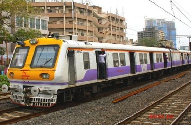 મુંબઇ લોકલ (ફાઇલ ફોટો)