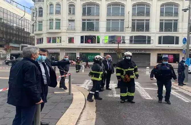 ફ્રાન્સમાં આતંકવાદી હુમલો: નાઇસ શહેરમાં ચપ્પુ મારી ત્રણની હત્યા