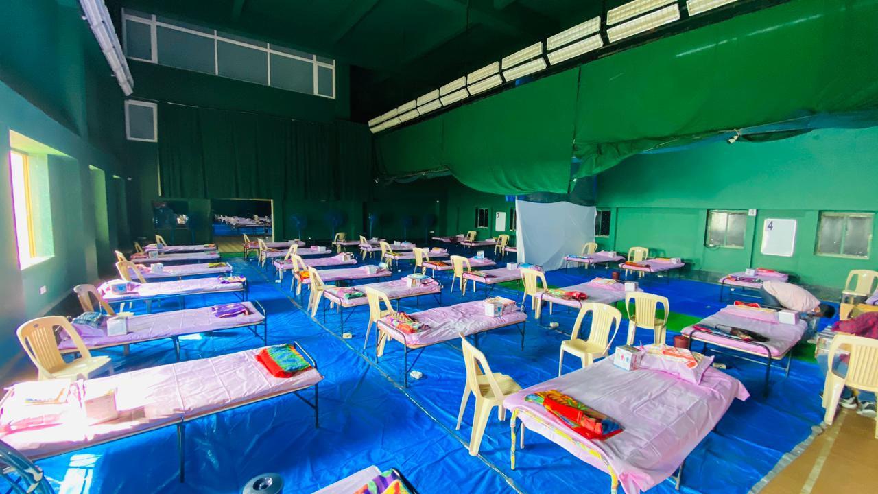 100 બૅડ્ઝનું Covid-19 કૅર સેન્ટર સાઉથ બોમ્બેના પીજે હિંદુજા જીમખાનામાં તૈયાર કરાયું છે - તસવીર શાબાદ ખાન