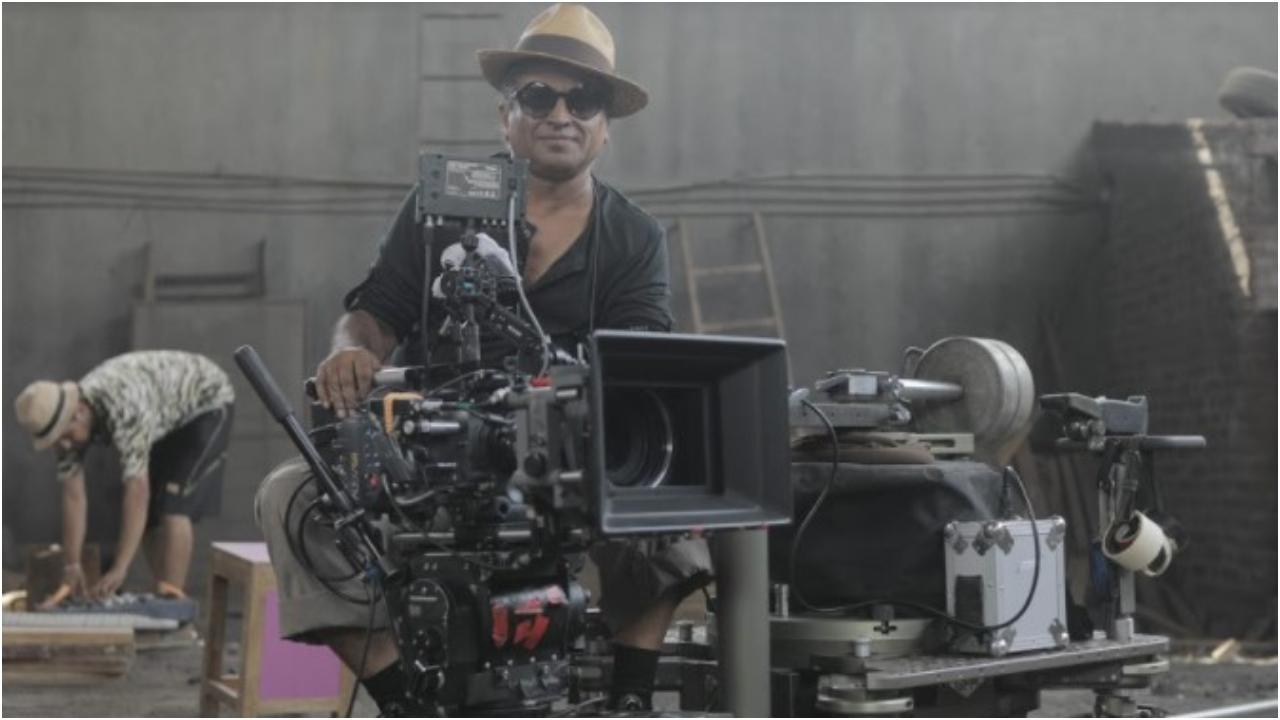 પાન નલિન તેમની ફિલ્મો સંસારા, એંગ્રી ઇન્ડિયન ગોડેસિઝ માટે જાણીતા છે