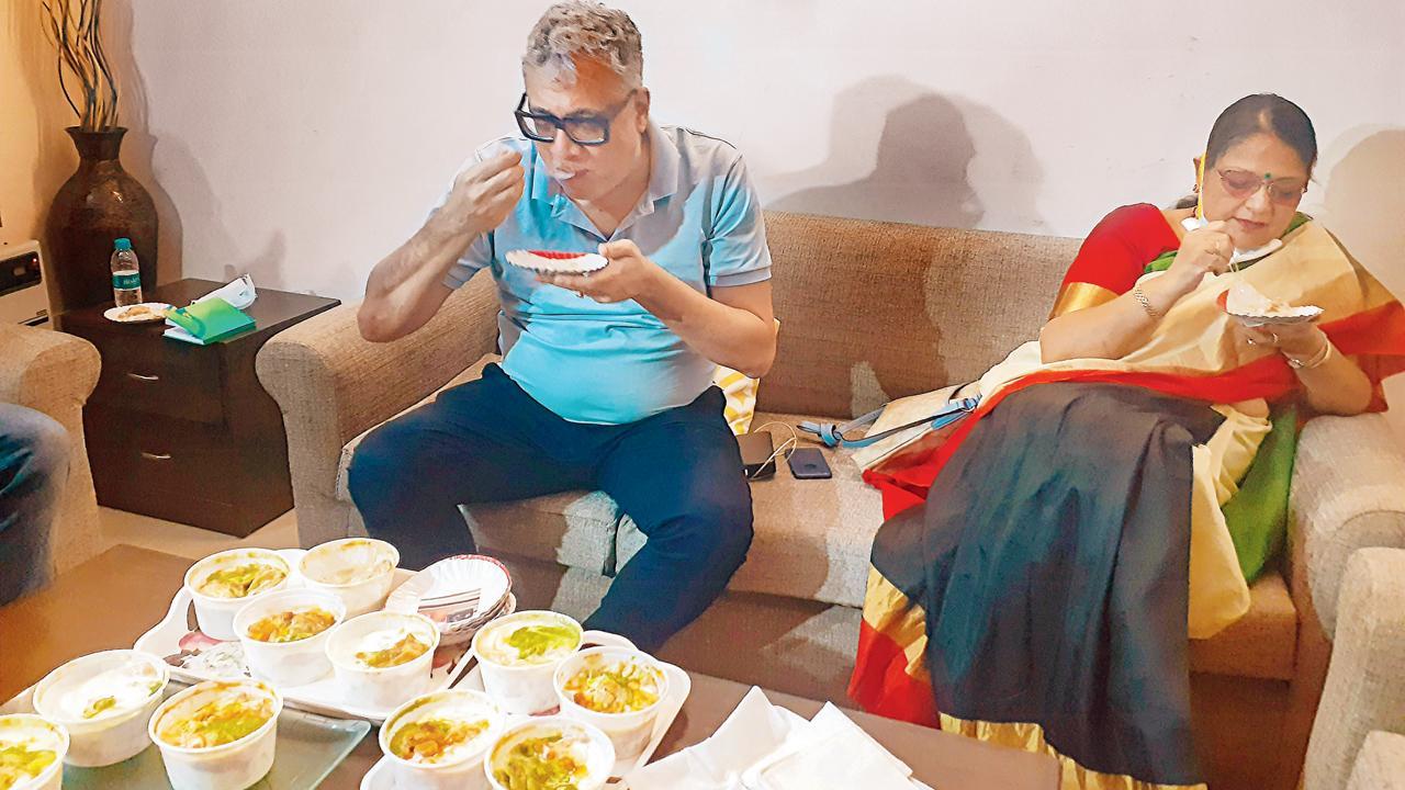 વડા પ્રધાને ગઈ કાલે જેની કમેન્ટને અપમાનજનક ગણાવી એ પછી ઓબ્રાયને દિલ્હીમાં ખાસ પાપડી-ચાટ ખાસ મગાવીને ખાધું પણ હતું (તસવીરઃ પી.ટી.આઇ.)