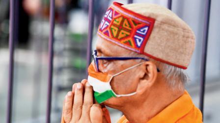 તિરંગો માસ્ક પહેરીને સિંધુની મૅચ માણી રહેલો ભારતીય ચાહક તેની હારને લીધે ભારે નિરાશ થયો હતો