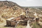 ૪૦૦ વર્ષના વિવિધ લશ્કરી પ્રભાવનો સાક્ષી ભુજિયો કિલ્લો