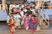 મુંબઈમાં મહામારી ફેલાવવા મેદાને પડેલા માસ્ક વગરના મહારથીઓ