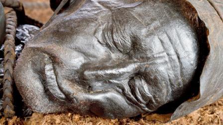 ૨૪૦૦ વર્ષ જૂના શબ