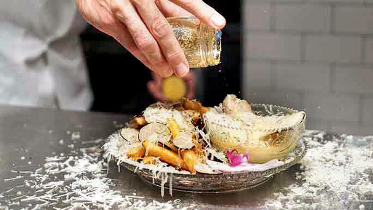૧૪,૮૦૦ રૂપિયાવાળી સોનાની ફ્રેન્ચ ફ્રાઇઝ ખાવી છે?