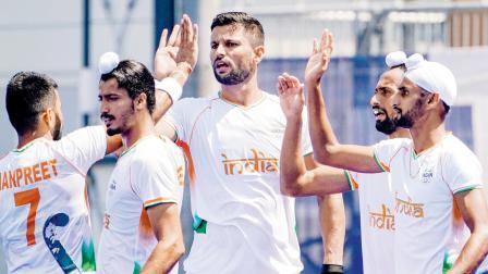 ન્યુ ઝીલૅન્ડ સામે નોંધાવેલા ગોલની ઉજવણી કરતા ૩-૨થી વિજય મેળવનાર ભારતીય હૉકી ટીમના ખેલાડીઓ