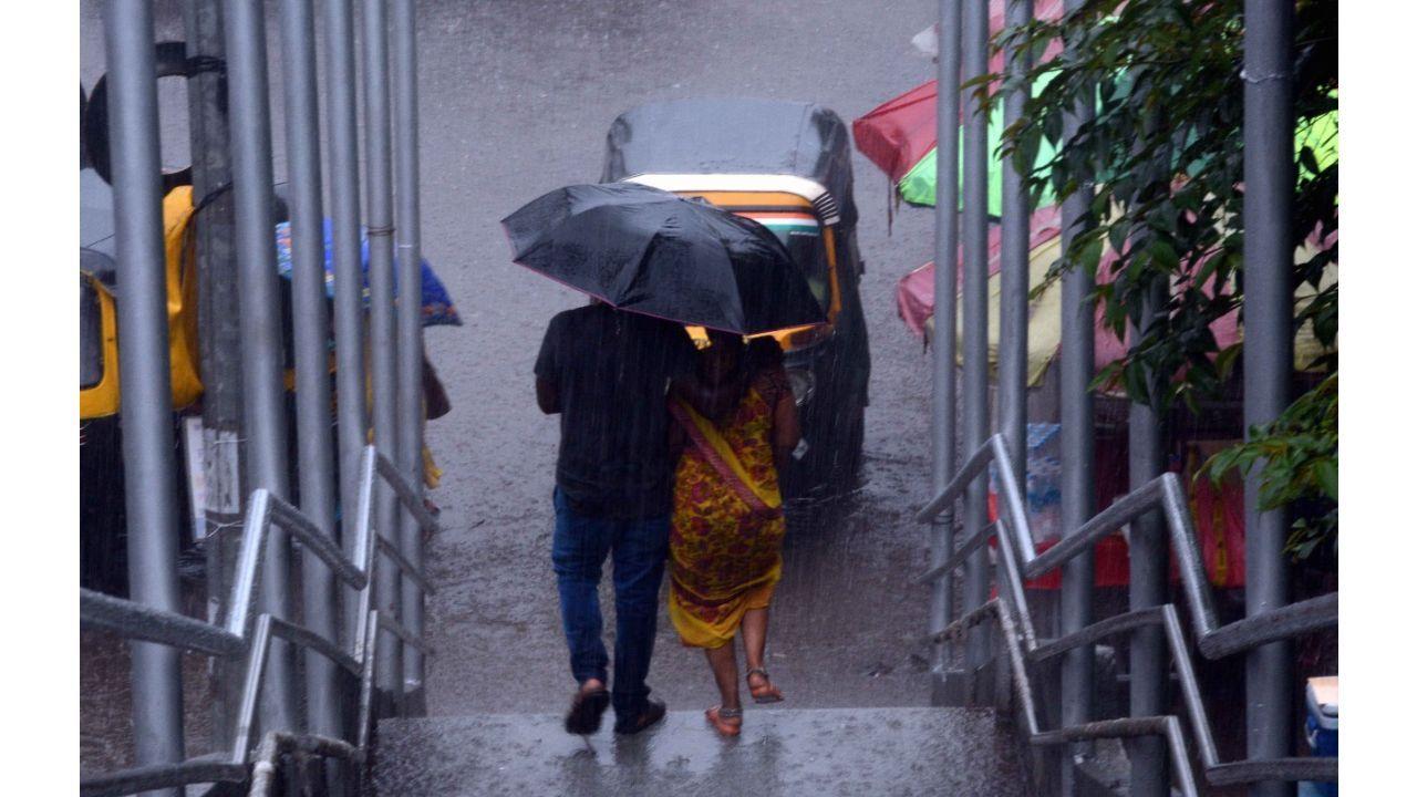 મમ્મી આ વરસતા વરસાદમાં આપણે હજી ફરીશું ખરા?