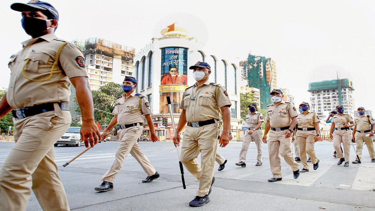 મુંબઈ પોલીસ