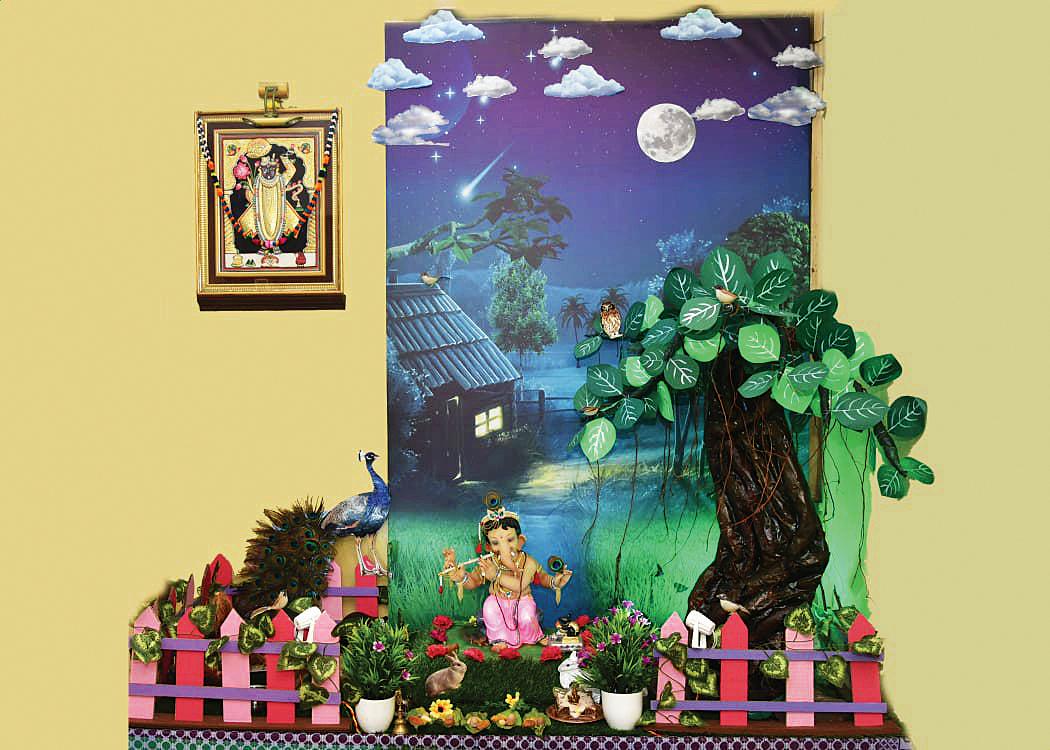 હેતલ જરીવાલા, કાંદિવલી-વેસ્ટ : વર્ષ : ૧૦મું, પાંચ દિવસ, વિશેષતા : સિંહાસનમાં બિરાજમાન ગ્રીન ગણેશા