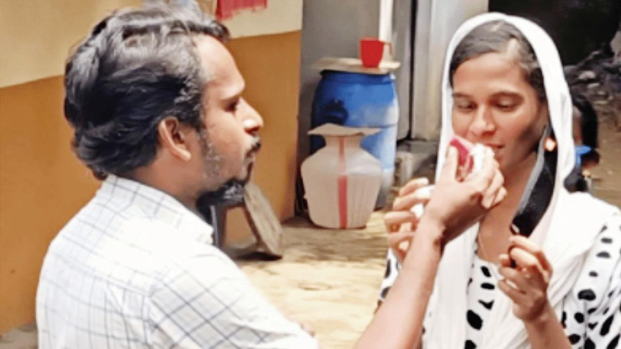 પ્રેમિકાને દસ વર્ષ ઘરમાં છુપાવી રાખનારા કેરલાના એક યુવકે તેની સાથે લગ્ન કર્યાં