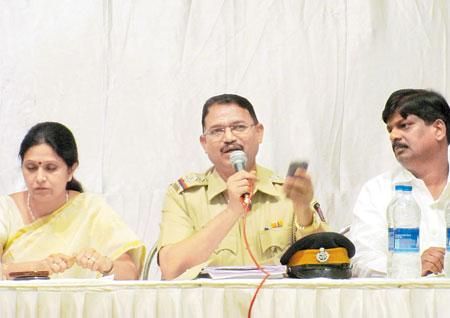 પંતનગર પોલીસે બોલાવેલી મીટિંગમાં લેવાયો પોલીસનો ઊધડો