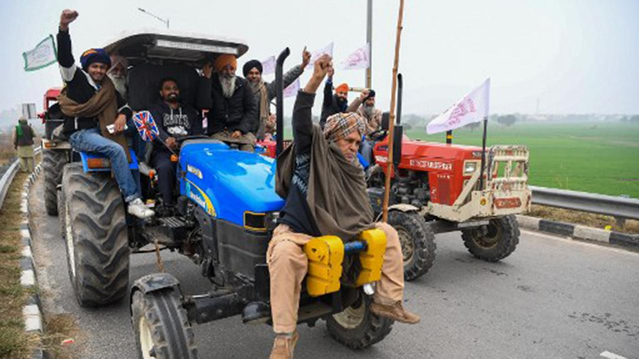 'Ghar Wapsi' only after 'Law Wapsi': Farmers tell Centre as meet ends
