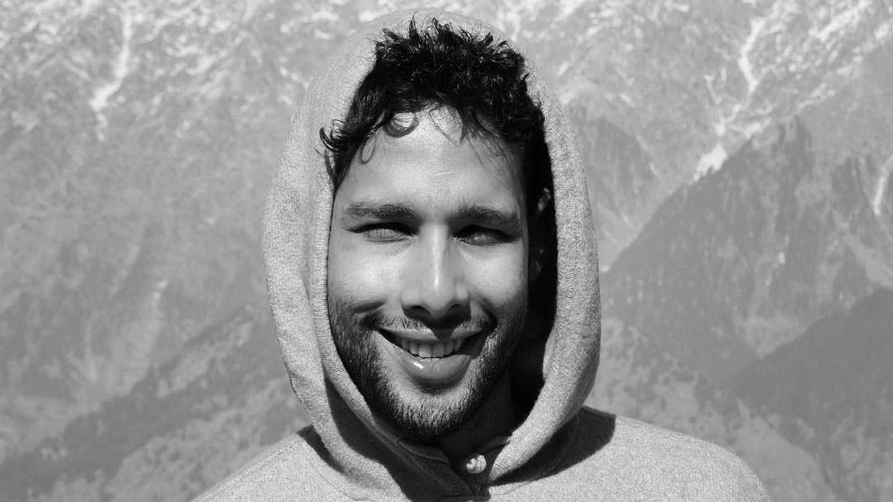 Siddhant Chaturvedi pens down a heartwarming poem in his recent post